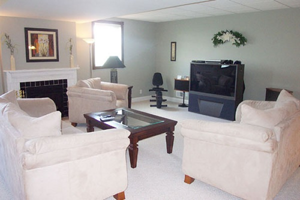 Mount Vernon Ohio Deluxe Home Living Room View