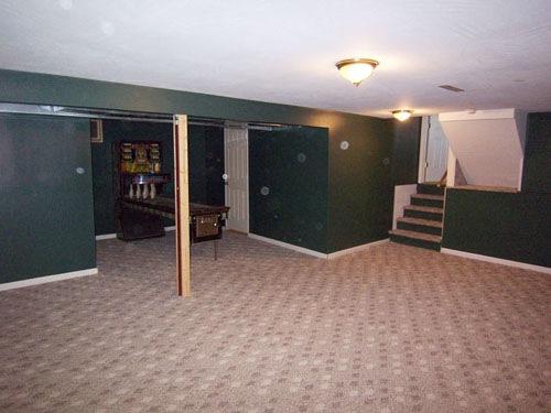 Billiard Room in Mount Vernon Ohio Home For Sale