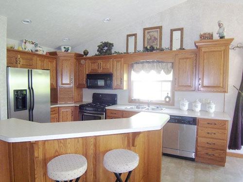 Apple Valley Lake Kitchen